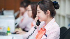 Nhân viên trực tổng đài tiếp nhận thông tin nhu cầu chuyển văn phòng quý cơ quan